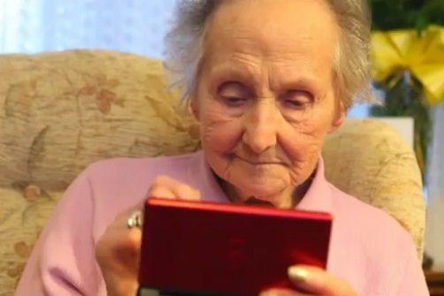 100 year old woman Nintendo DS