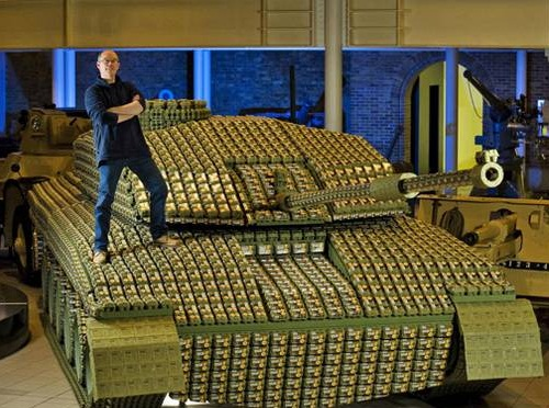 Tank made of egg boxes