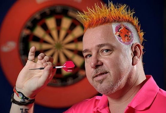 Darts player undergoes 'foxy' makeover in sponsor stunt