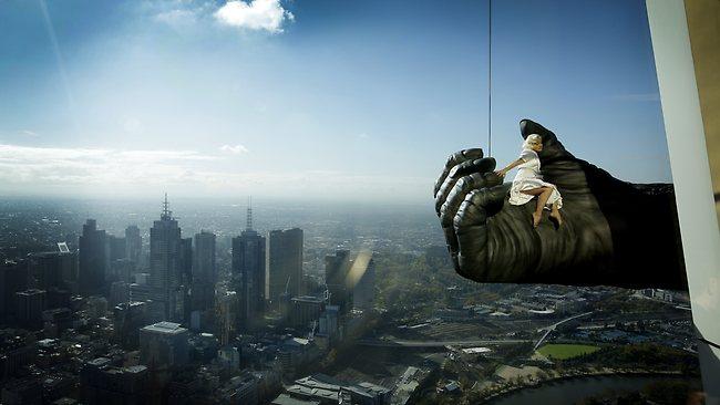 king-kong-on-eureka tower pr stunt