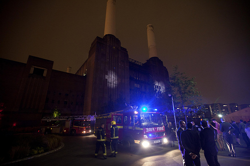 Bear Grylls in Battersea Power Station Stunt