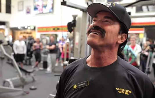 Great PR Stunt Sees Arnie Back in the Gym