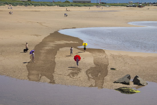 sea_takes_sand_drawing
