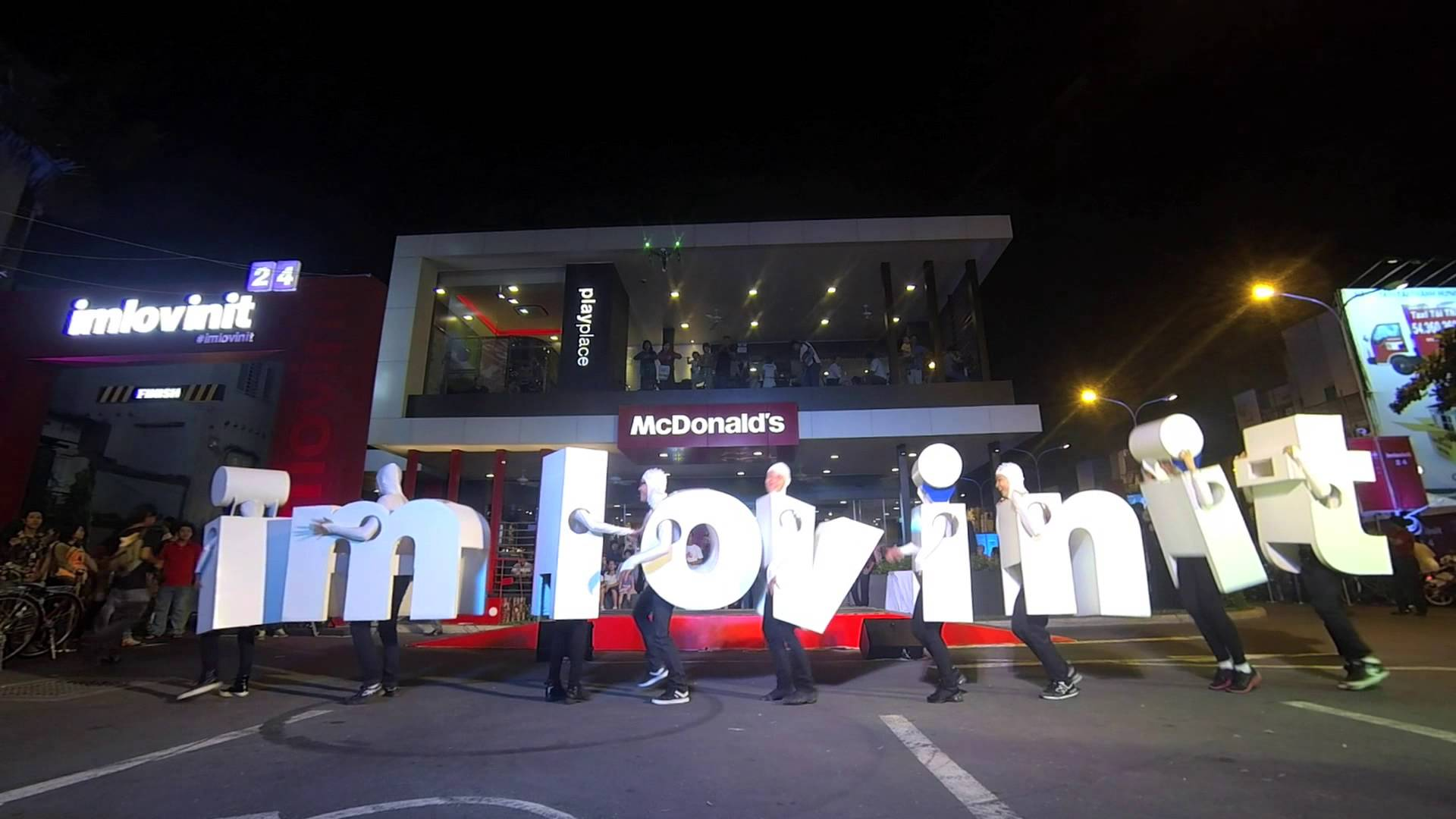 McDonald's give 24 gifts of joy for 24 cities in 24 hours