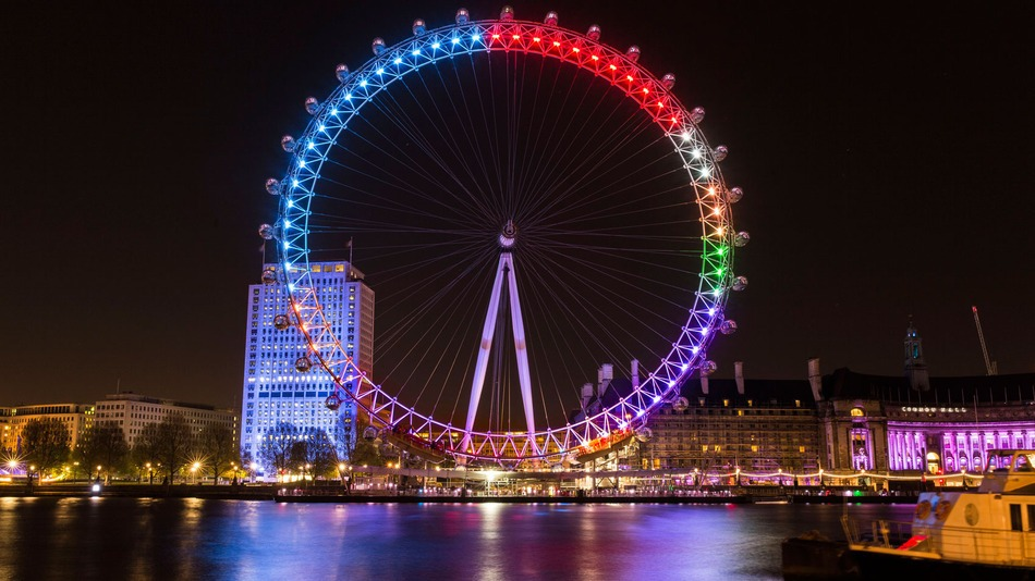 Facebook turns the London Eye into big UK election pie chart