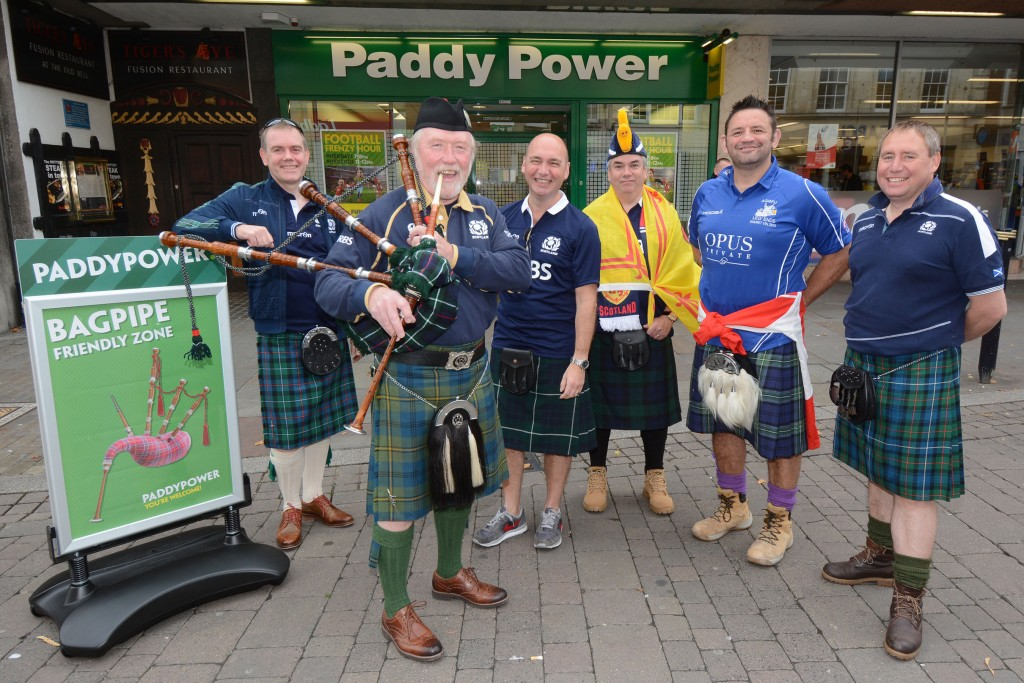 Paddy Power set up 'bagpipe-friendly zone' in protest against RWC stadium ban