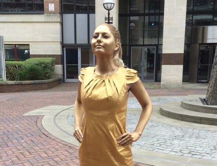 Hopeful Graduate Recreates Fearless Girl Outside Mccann